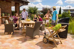 Pohodlne aj trendy na záhrade