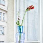 Repasované okno s vázou
