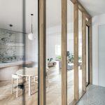 Presklená stena v byte