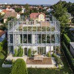 Dom v korzete s terasou