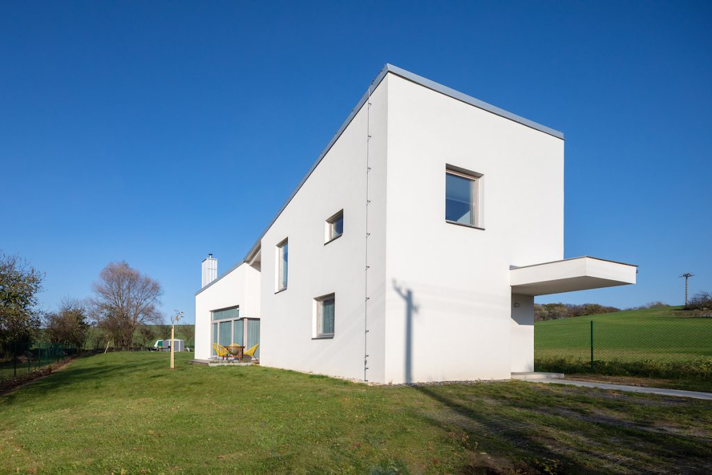 Dvojpodlažný obĺžnikový dom