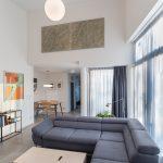 Obývačka s presklením