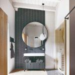 Kúpeľňa s veľkým zrkadlom