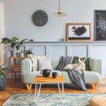 Sivá obývačka s gaucom a psikom