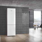 Voľne stojaca chladnička sivý interiér kachličky