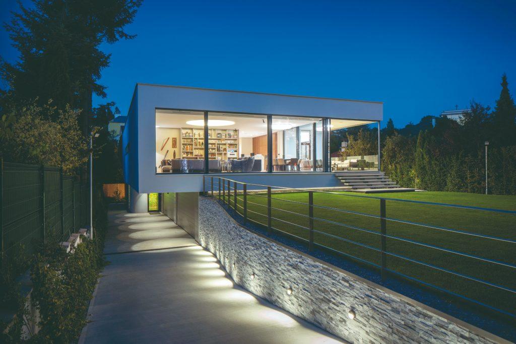 Komfortný dom v nádhernej lokalite Horského parku, ktorého interiér sa prelína s exteriérom