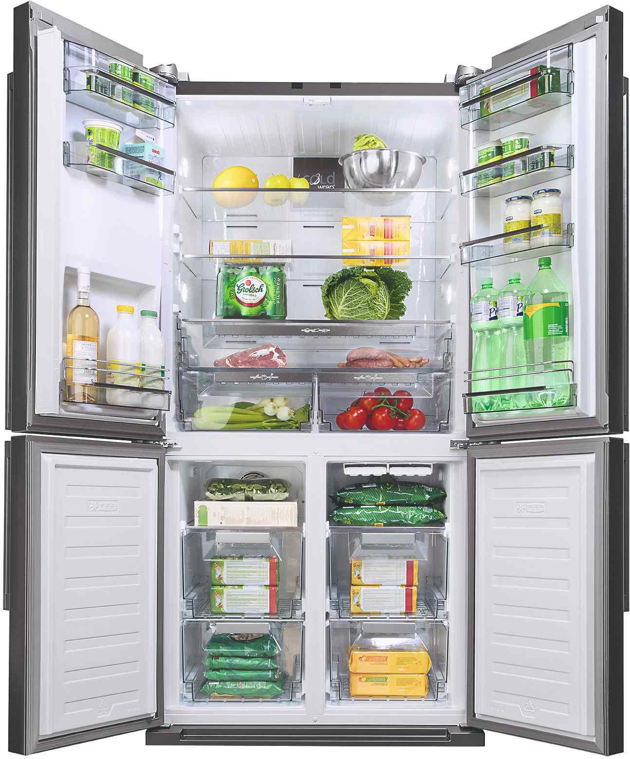 Otvorená americká chladnička plná jedla