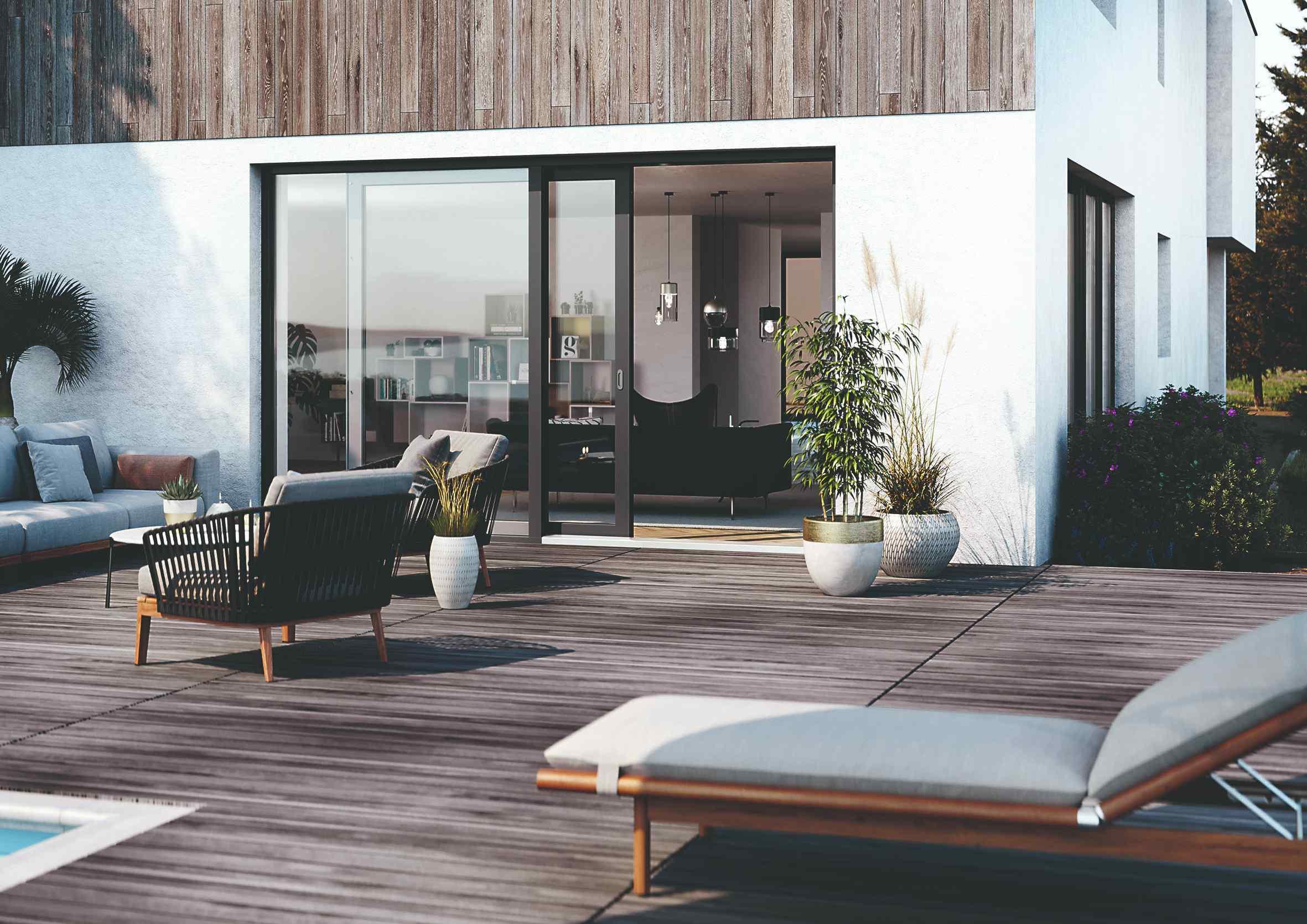 Veľké presklenné dvere na drevenú terasu