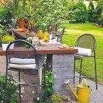 Posedenie v záhrade