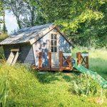 Rozprávkový záhradný domček so šmykľavkou