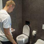 Ján Volko sprchovacie wc kampaň