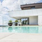 Moderný dom s bazénom
