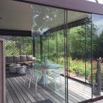 Presklená obývačka s pergolou