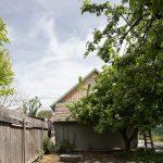 Kôlňa v záhrade vidieckeho domu