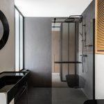 Kúpeľňa v čiernom kove