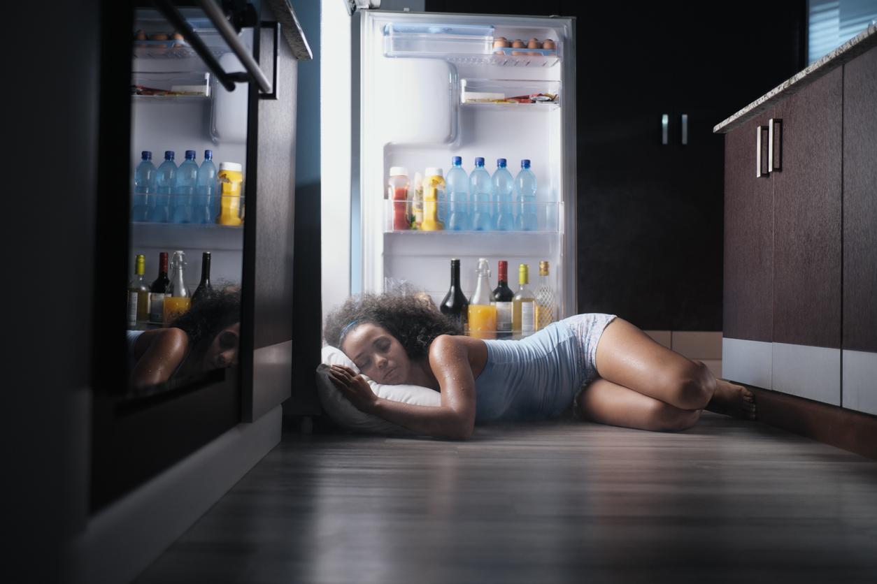 spanie pri chladničke