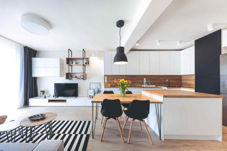 Severská nadčasovosť v Novom Meste nad Váhom: Dvojizbový byt vyniká pohodovou atmosférou