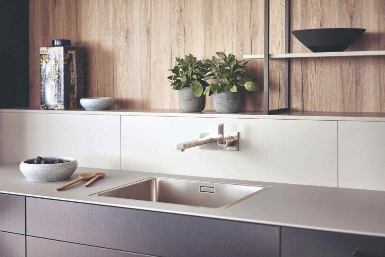 Aký materiál si zvoliť na kuchynskú dosku?