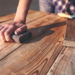 Šmirgľovanie dreva