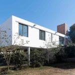 Obdĺžnikový dom s terasou