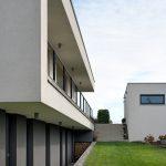 Obdĺžnkový rodinný dom s terasou