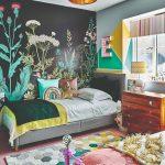 Detská izba s maľovanými farebnými stenami