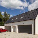 Rodinný dom s dvoma garážami