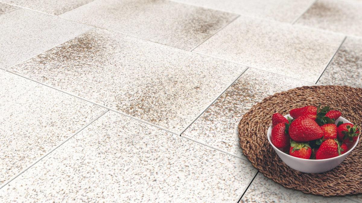 Dlažba granit béžová s miskou jahôd