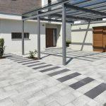 Veľká antracitová terasa s pergolou