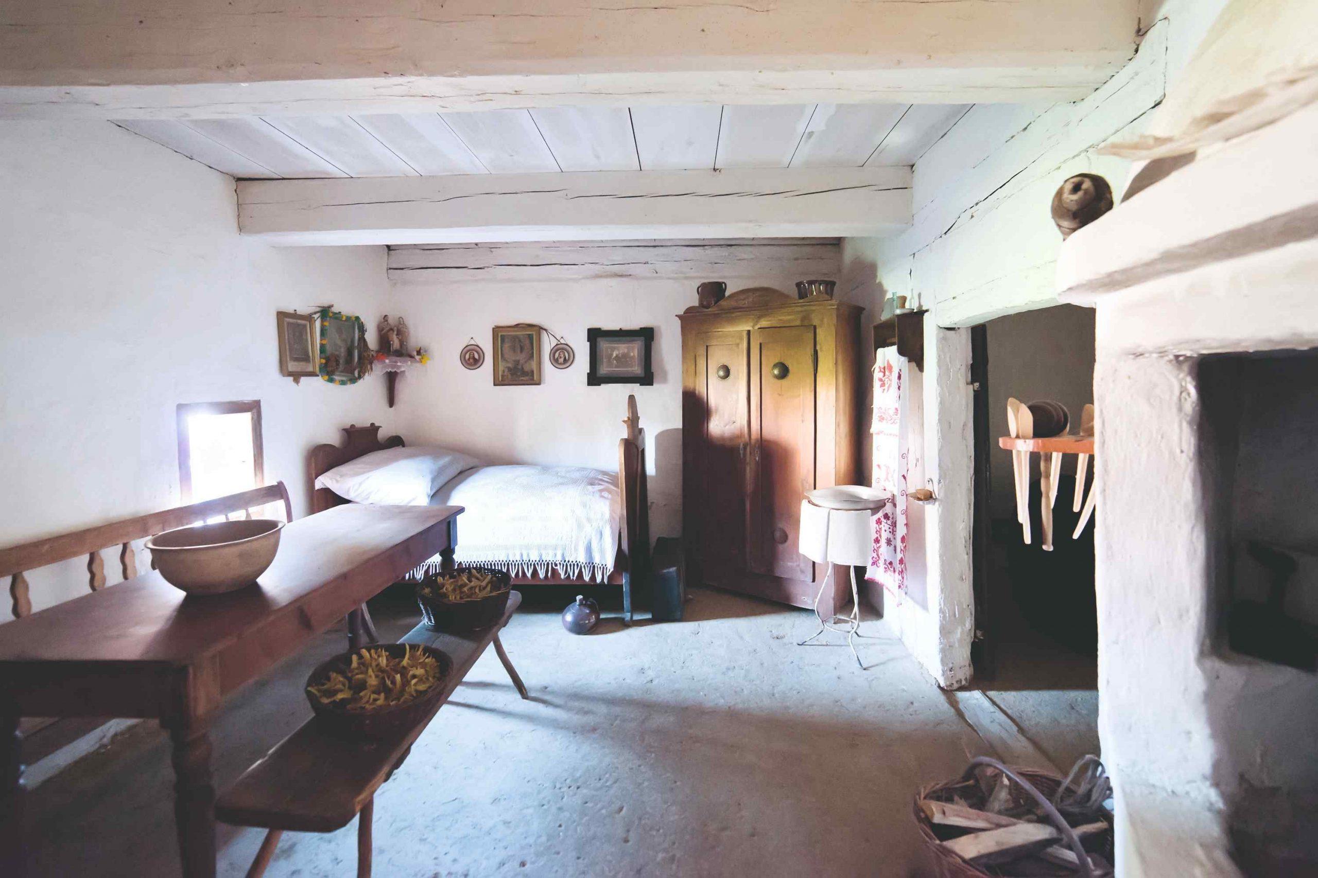 Klasická miestosť v starej chalupe