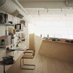 Industriálne zariadená izba v lofte