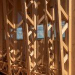 Detail drevenej zasúvacej časti a koľajníc