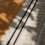 Detail betónu a drevenej podlahy