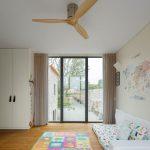 Detská izba s bielymi skriňami