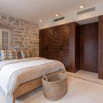 Útulná spálňa v dome pri mori