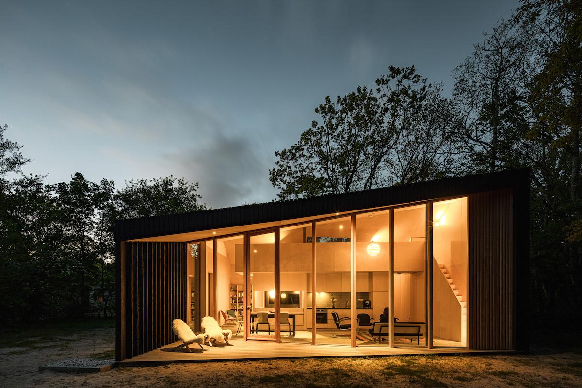 Dovolenkový domček s 5 metrovou presklenou fasádou