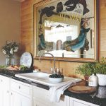 Kuchynská linka s dekorovaným zrkadlom