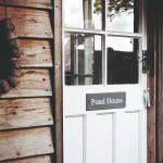 Staré dvere na domčeku