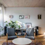 Obývačka s retro kreslami