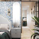 Romantická spálňa s modrou vzorovanou tapetou