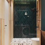 Smaragdovo zelený sprchový kút