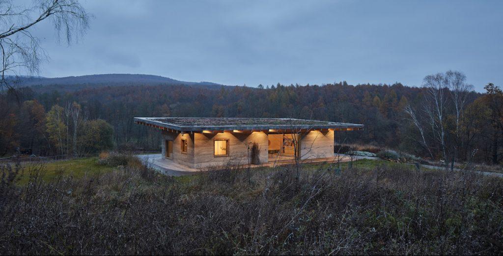 Ekologický dom z nezvyčajného materiálu: Počuli ste už o konopnom betóne? Aké sú jeho výhody?