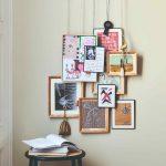 Obrazy a kresby na špagátikoch na stene
