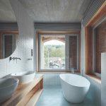 Moderná kúpeľňa s voľne stojacou vaňou