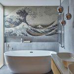 Kúpeľňa s voľne stojacou vaňou s tapeta s morom