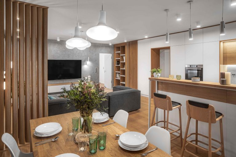 Moderný interiér v historickej vile: Bývanie, kde sa krásne žije
