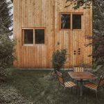 Malá drevená chatka