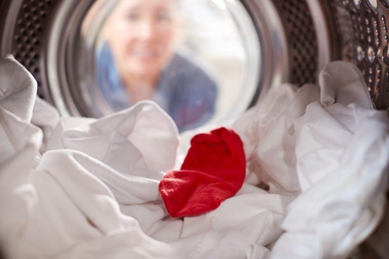 Toto sú najčastejšie chyby pri praní bielizne. Robíte ich aj vy?