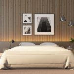 Moderná hnedá spálňa s fotografiami na stene