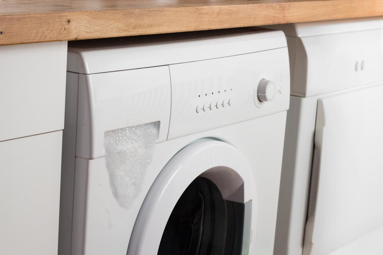 Práčka s preplnený zásobníkom na prášok